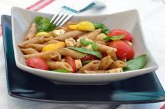 130 kcal. Salade de pennes aux pousses d'épinard
