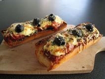 442 kcal. Bruschetta tomate/ fromage rapé