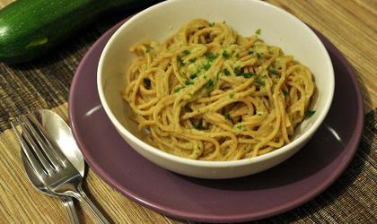 Spaghetti à la crème de courgettes