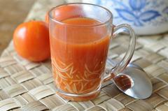 27 kcal. Soupe rapide tomate/ choux fleur