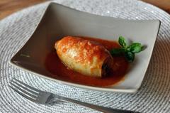 552 kcal. Calamars farcis à la viande et sauce tomate