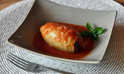 Calamars farcis à la viande et sauce tomate