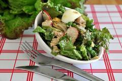 193 kcal. Salade composée: Salade, Thon, Pousses de soja