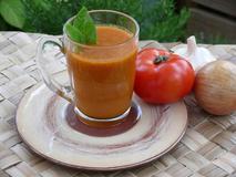 325 kcal. Gaspacho de tomates