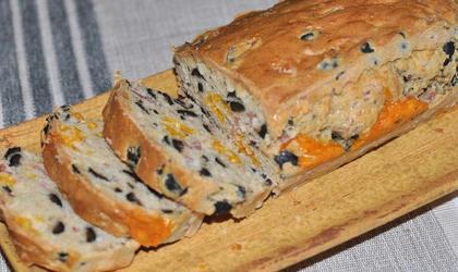 Cake olives noires - mimolette