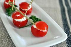 36 kcal. Tomates cerises farcies au chèvre frais