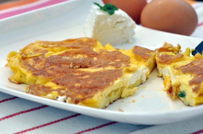 Omelette au chèvre et à la menthe