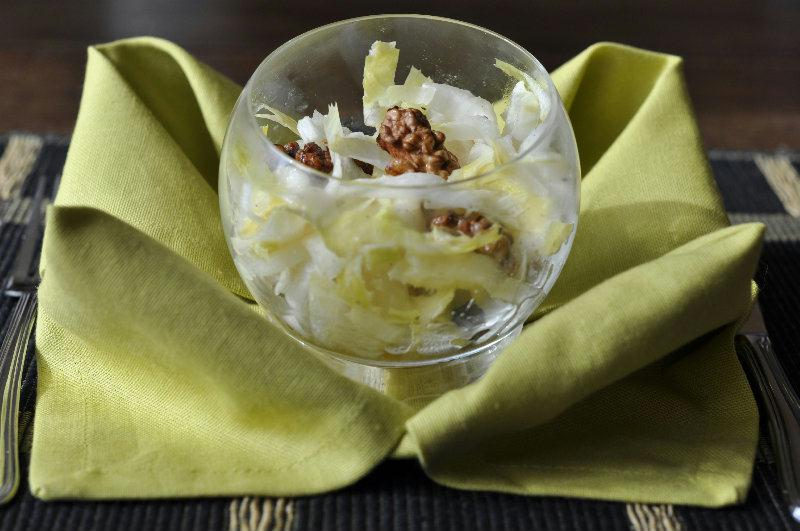 Salade d'endives au bleu et aux noix